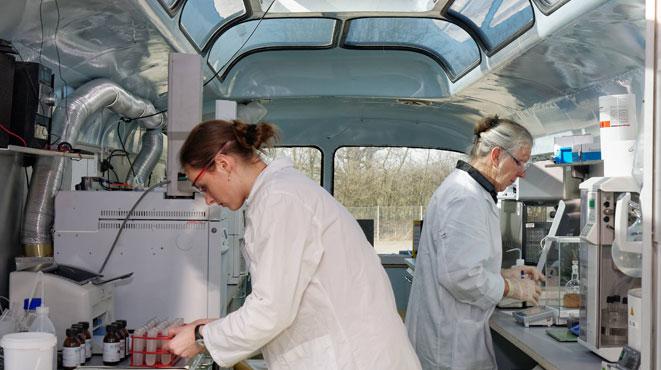 BIOLAB Umweltanalysen Braunschweig das rollende Umweltlabor